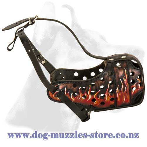 Leather dog muzzle for large breed dogs