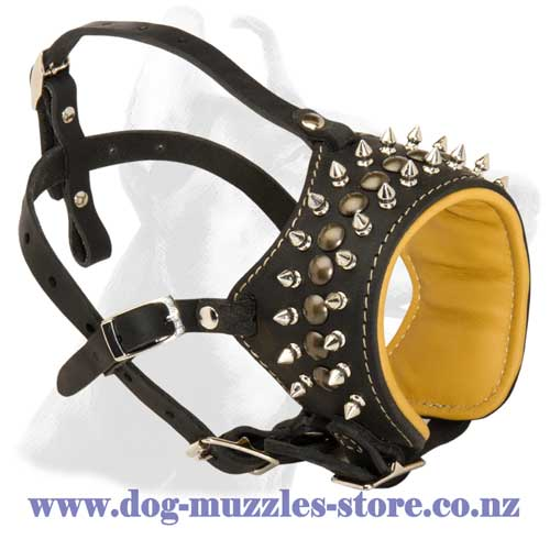 Leather dog muzzle with soft Nappa leather